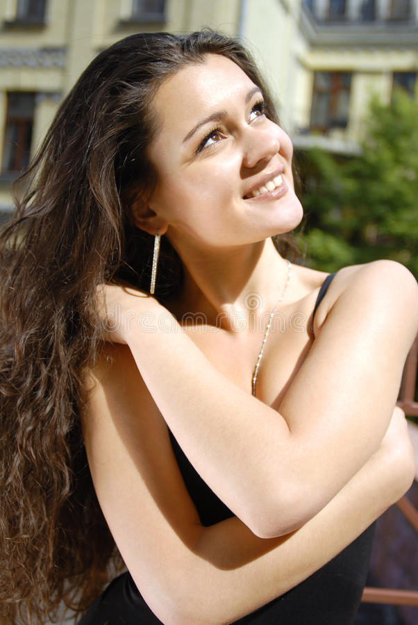 Frauenträume über glückliche Lebensdauer lizenzfreies stockbild