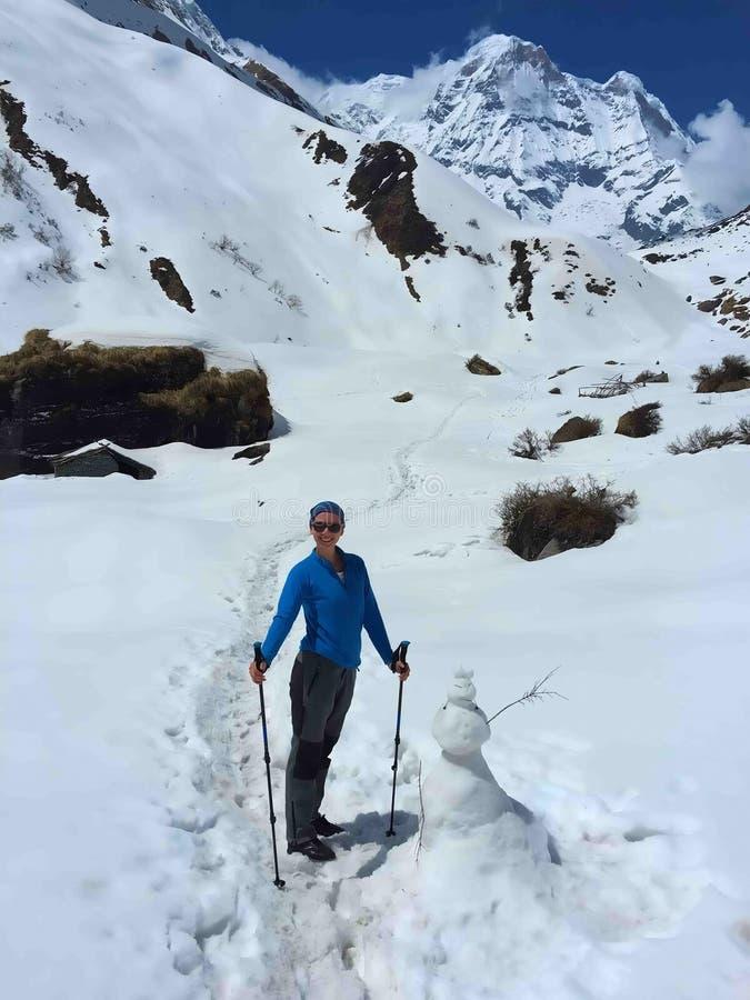 Frauentrekking in Himalaja-Bergen, Nepal stockbilder