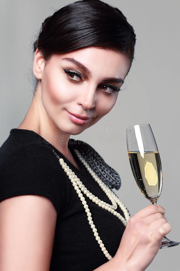 Frauenweinglas lizenzfreies stockfoto