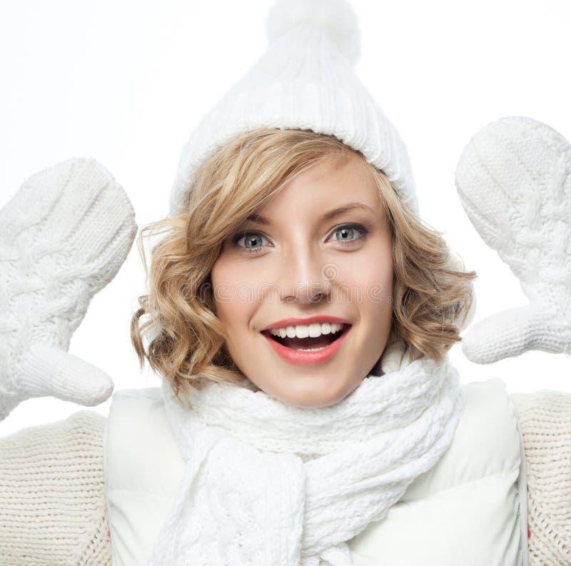Download Frauenwinter stockbild. Bild von blond, haut, gesicht - 106803465