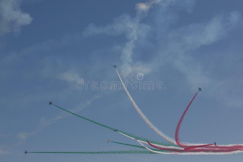 Frecce Tricolore,三色箭头在Ladispoli,意大利 免版税库存照片