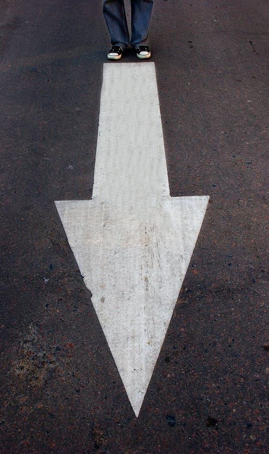 Freccia che mostra un modo fotografia stock libera da diritti