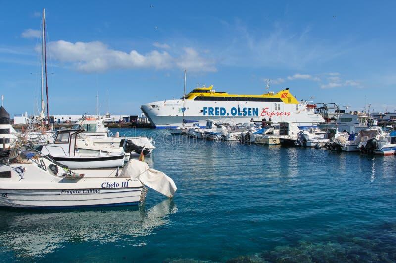Fred Olsen Express, transbordador en el puerto del Blanca de Playa imagen de archivo libre de regalías