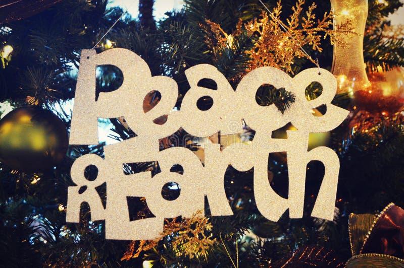 Fred på jord royaltyfri foto