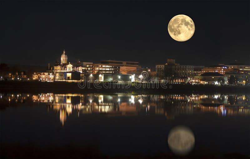 Fredericton im Mondschein New-Brunswick, Kanada stockfotografie