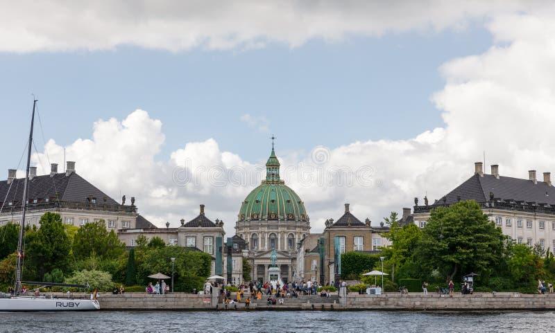 Frederik& x27; chiesa e Amalie Garden di s a Copenhaghen fotografia stock libera da diritti