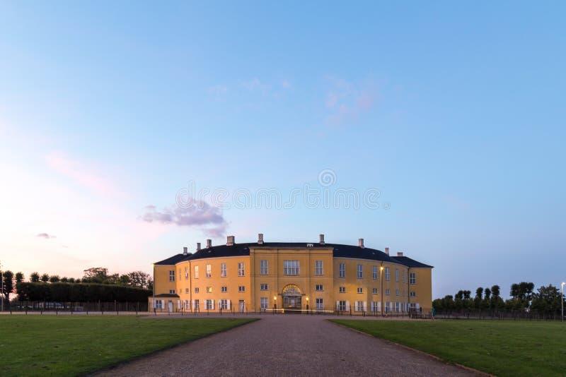 Frederiksberg-Schloss in Kopenhagen während des Sonnenuntergangs stockbild