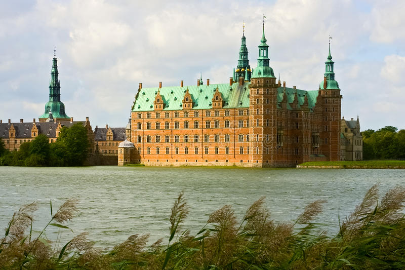 Frederiksborg-Schloss in Dänemark stockfotografie