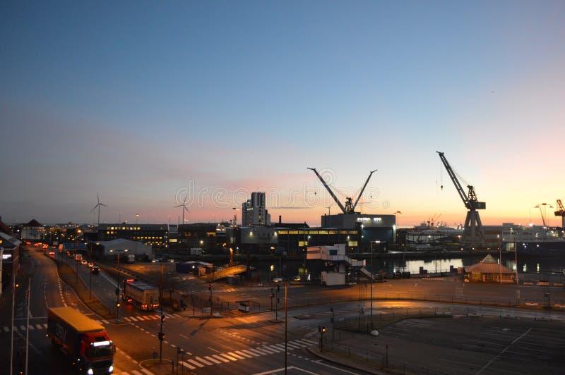 Frederikshavn w Dani przy nocą obraz stock