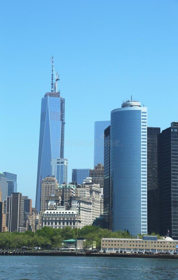 Freedom Tower i lägre Manhattan royaltyfri bild