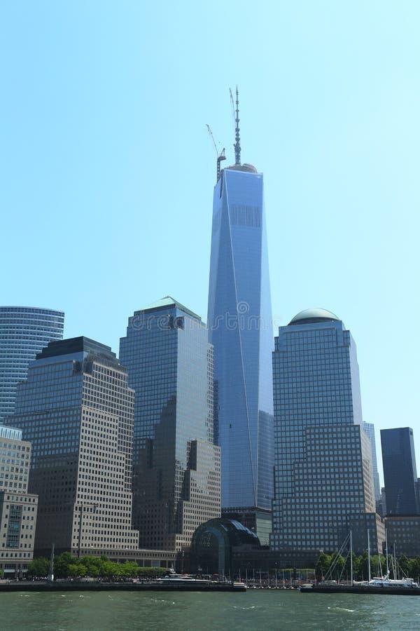 Freedom Tower och finansiell mitt för värld royaltyfri foto