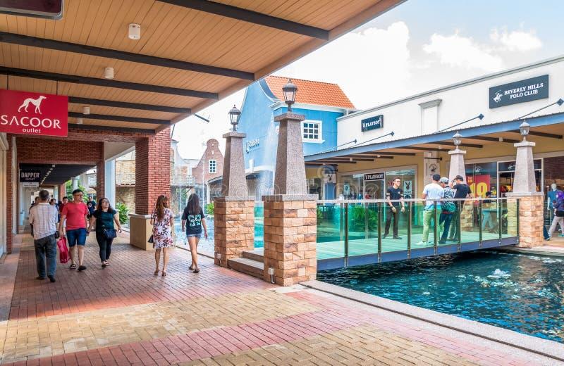 Freeport een Afzet van ` Famosa is het grootste winkelcomplex in Alor Gajah, Malacca stock foto