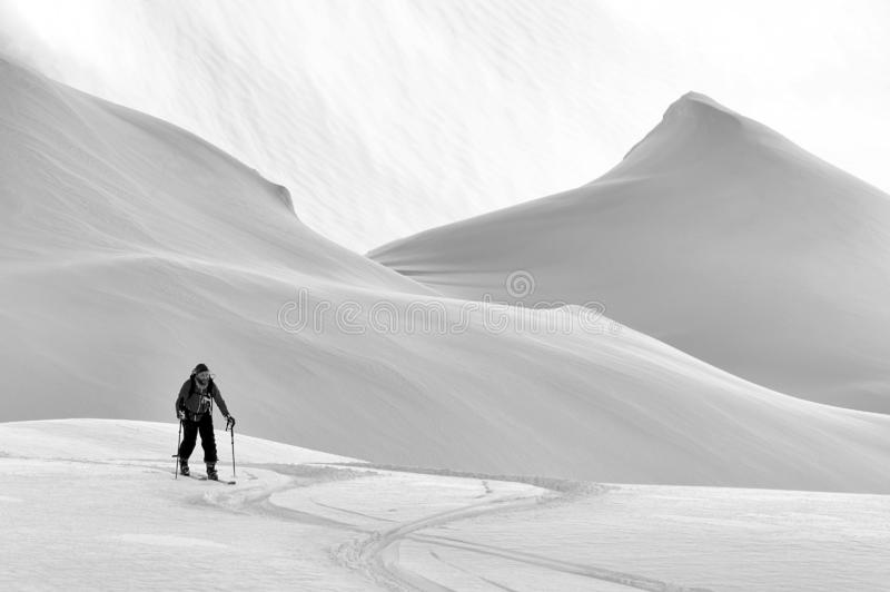 Freeride-Ski in den Transsilvanische Alpen stockbilder