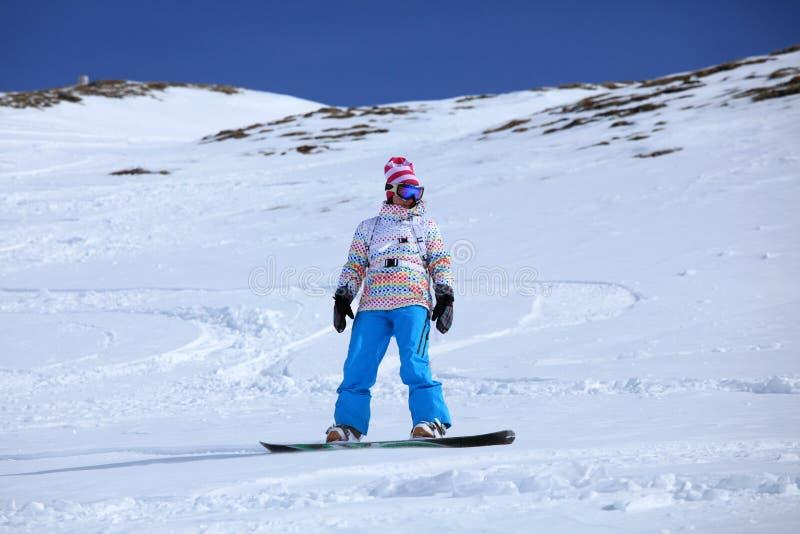Freeriding Snowboarder lizenzfreie stockfotografie