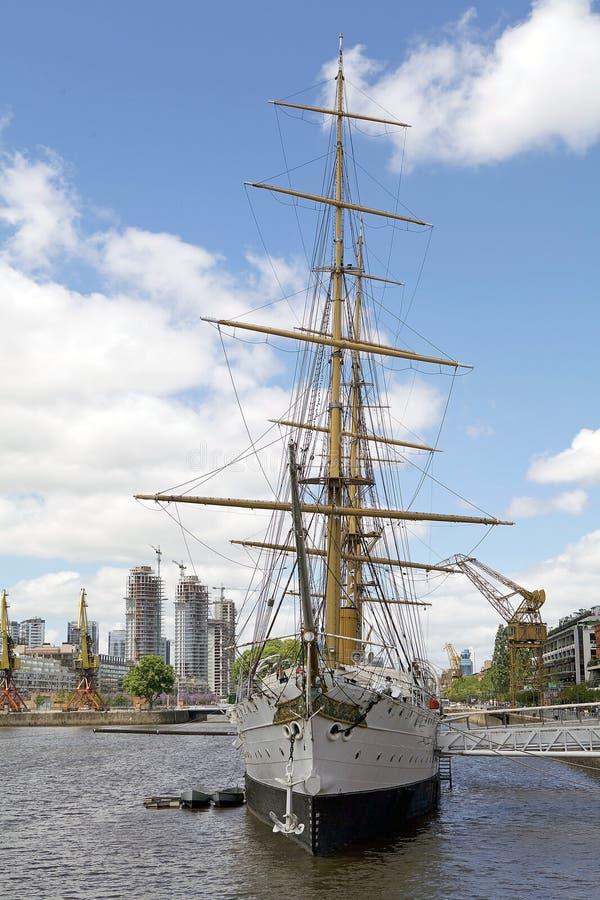 Fregat ARA Presidente Sarmiento in Puerto Madero, Buenos aires, Argentinië royalty-vrije stock foto