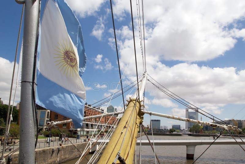 Fregat ARA Presidente Sarmiento in Puerto Madero, Buenos aires, Argentinië stock foto's