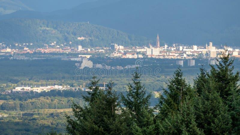Freiburg Tyskland i avståndet royaltyfria bilder