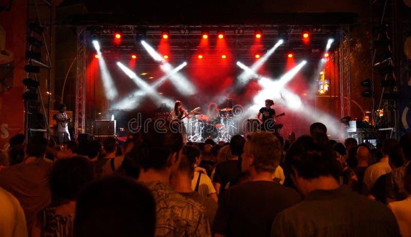 Freie Musik-Leistung in Barcelona Spanien lizenzfreie stockfotos