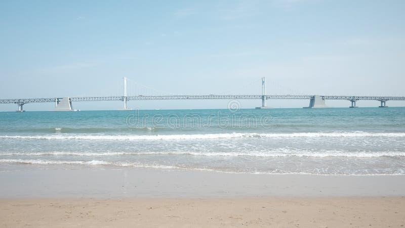 Freier Raum für Text, einen schönen und gemächlichen Strand stockfoto