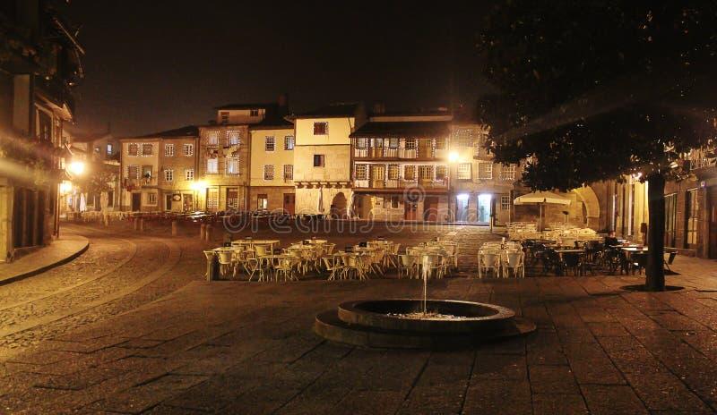 Freies Café, Nacht Braga portugal lizenzfreies stockbild