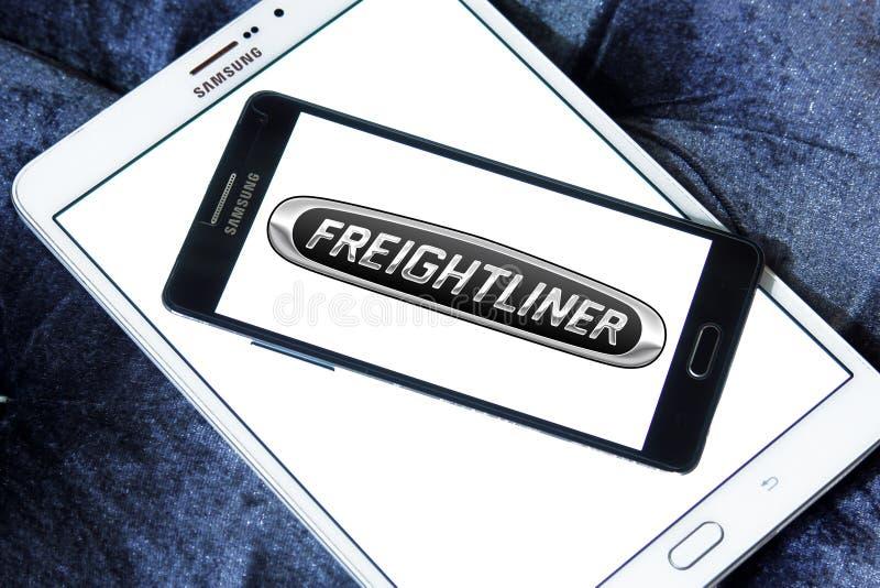 Freightliner tauscht Herstellerlogo lizenzfreie stockfotografie