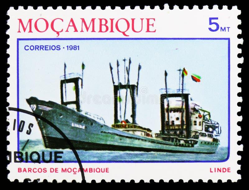 Freightship litoral Linde, navios do serie de Moçambique, cerca de 1981 imagens de stock royalty free