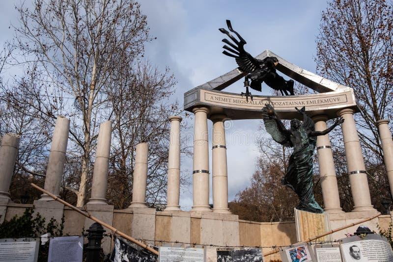 Freiheits-Quadrat Monumente zu den Opfern des deutschen und ungarischen Nazismus stockbild