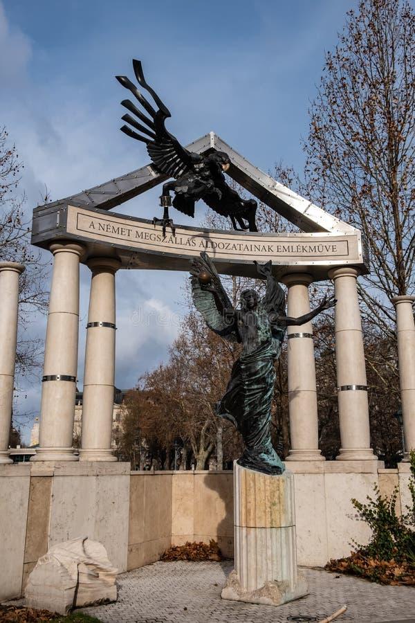 Freiheits-Quadrat Monumente zu den Opfern des deutschen und ungarischen Nazismus stockbilder