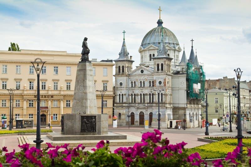 Freiheits-Quadrat (Plac Wolnosci) in der Stadt von Lodz, Polen lizenzfreie stockfotografie