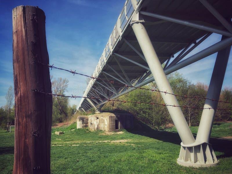 Freiheits-Radfahrenbrücke stockbild