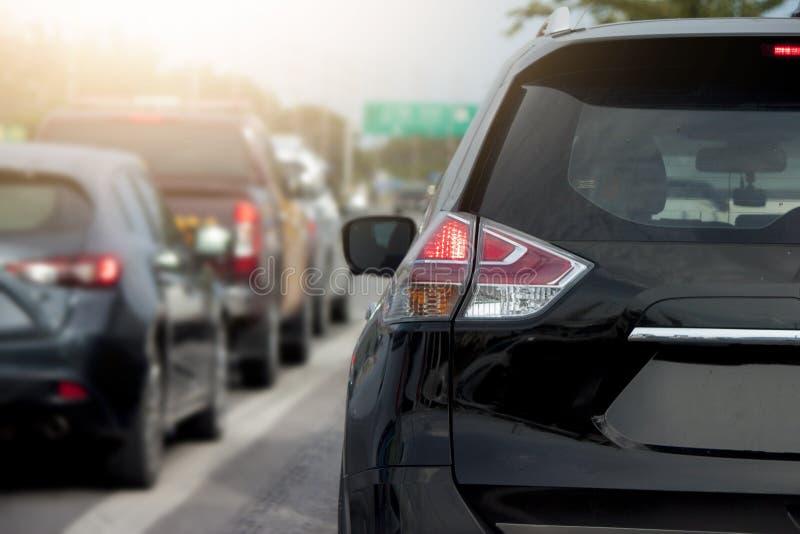 Freio dos carros na estrada imagem de stock