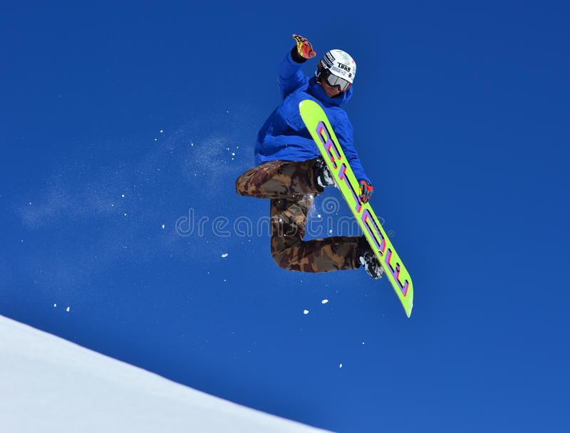 Freistil-Snowboarder stockfotos