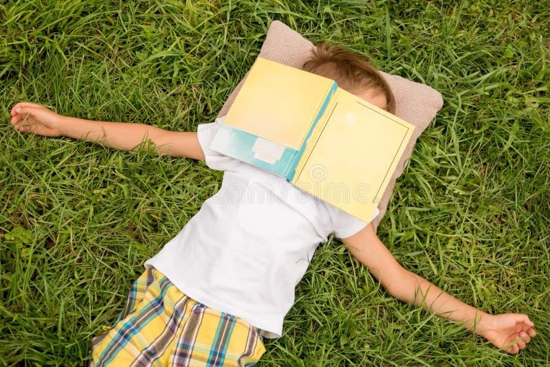 Freizeit von der Schule Freizeitkonzept, positiver Gefühleffekt stockbilder