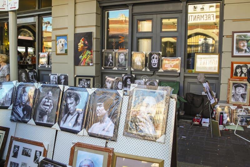 Fremantle västra Australien - 2011: ståendemålningar av berömda kändisar royaltyfria foton