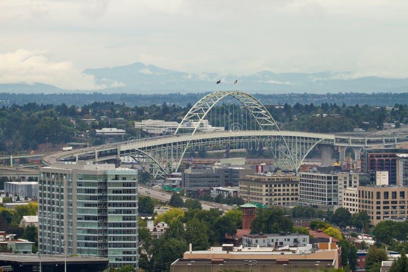 fremont моста зоны промышленное над portland стоковое изображение rf