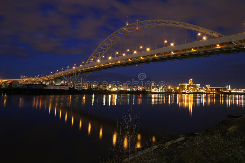 Fremont Bridge over Willamette River stock images