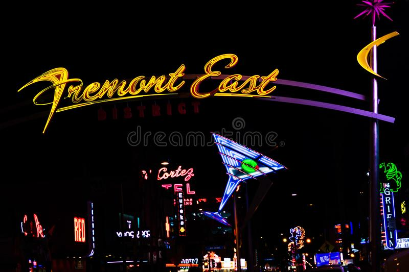 Fremont Martini reklamy Nighttime Wschodni wizerunek obraz royalty free