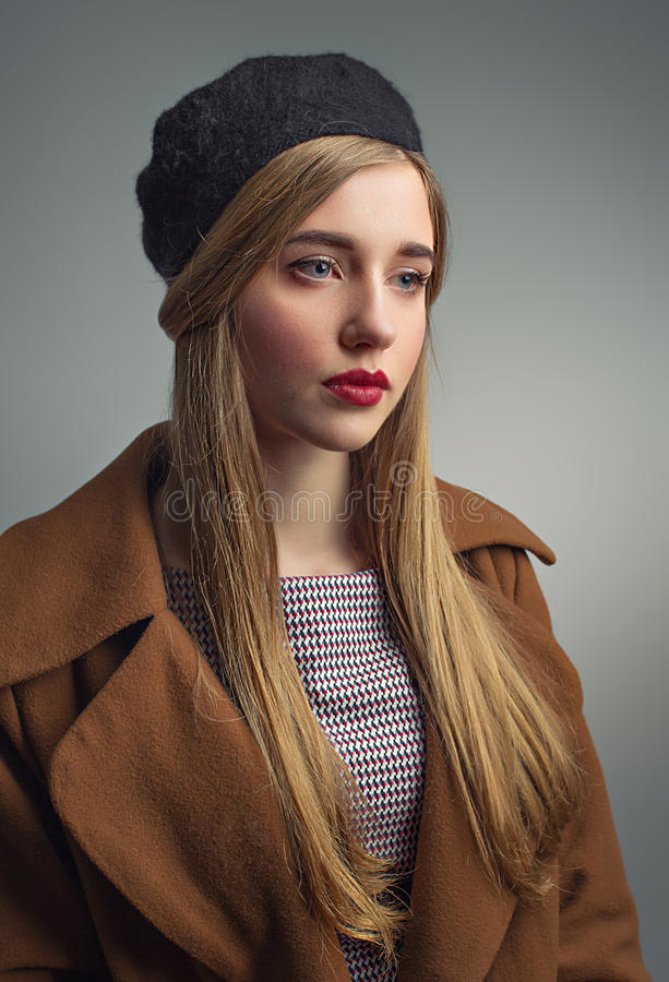Free French Girl In Beret. She Is Thinking About Something. Classic Portrait Royalty Free Stock Photo - 86595465