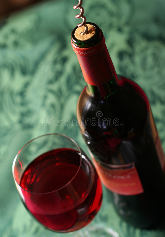 Free French Wine On The Bedsheet Stock Images - 1874084