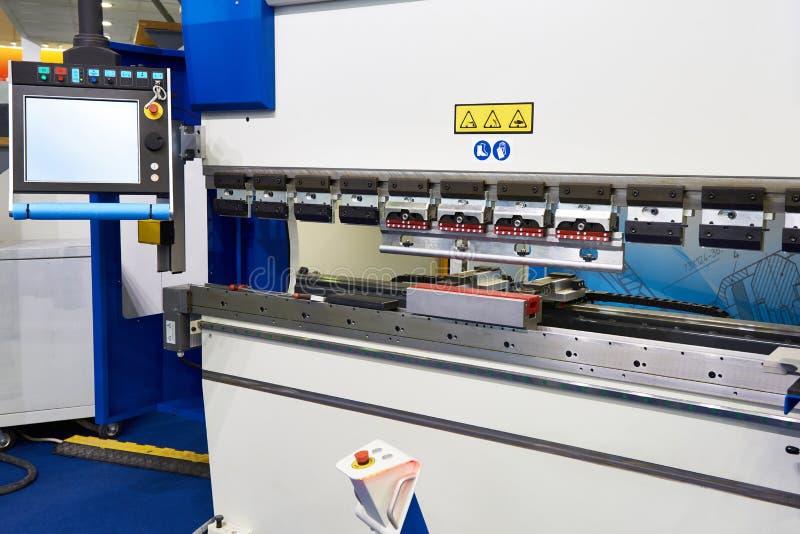 Freno sincronizzato CNC della pressa idraulica immagini stock libere da diritti