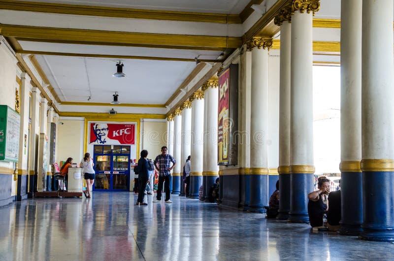 Frente de la estación de tren de Bangkok, Tailandia imágenes de archivo libres de regalías