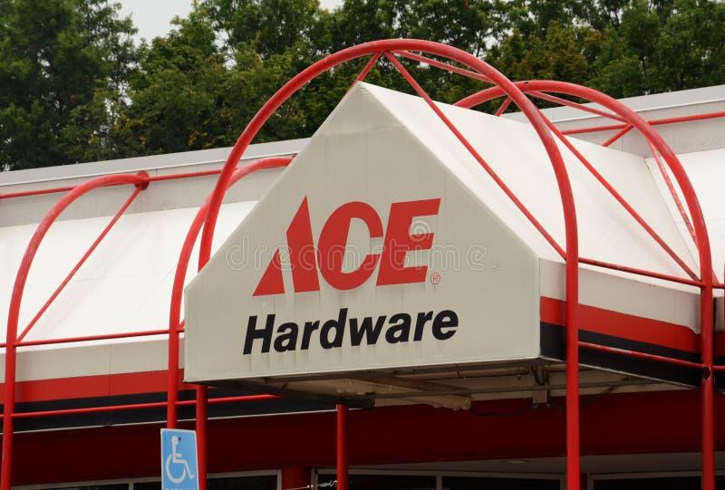 Frente de la ferretería de Ace foto de archivo