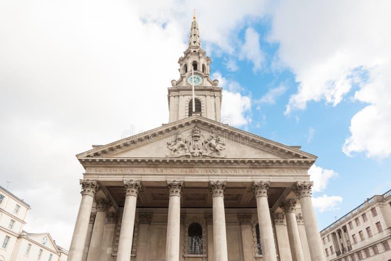 Frente de la iglesia San Martín en los campos, Londres fotos de archivo libres de regalías