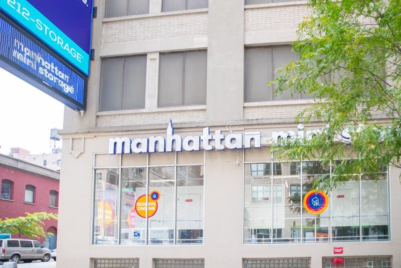 Frente de Manhattan Mini Storage imagenes de archivo