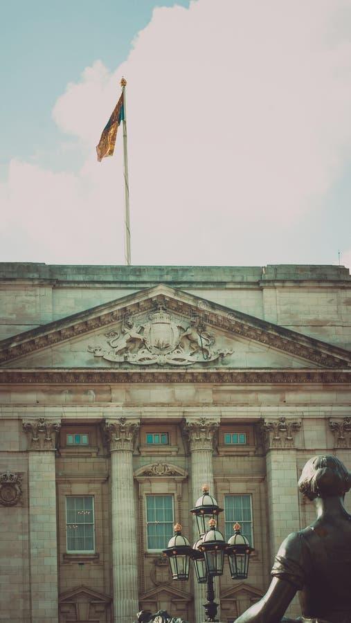 Frente del Buckingham Palace imagenes de archivo