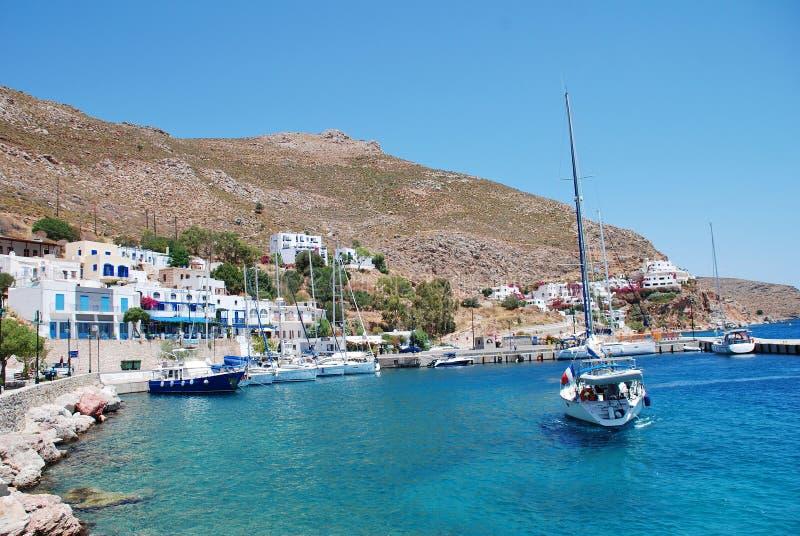 Frente marítima de Livadia na ilha de Tilos imagem de stock royalty free