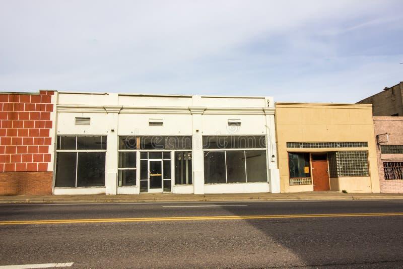 Frentes comerciales abandonados de la tienda al por menor imágenes de archivo libres de regalías