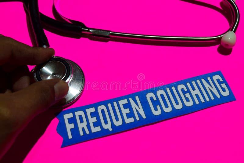 Frequen toussant sur le papier avec le concept d'assurance-maladie photographie stock libre de droits
