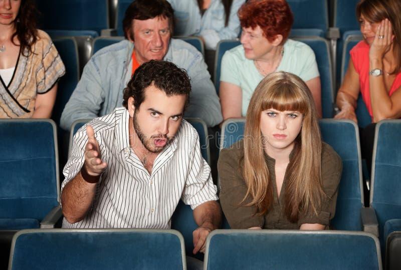 Frequentatori di cinema seri immagini stock libere da diritti