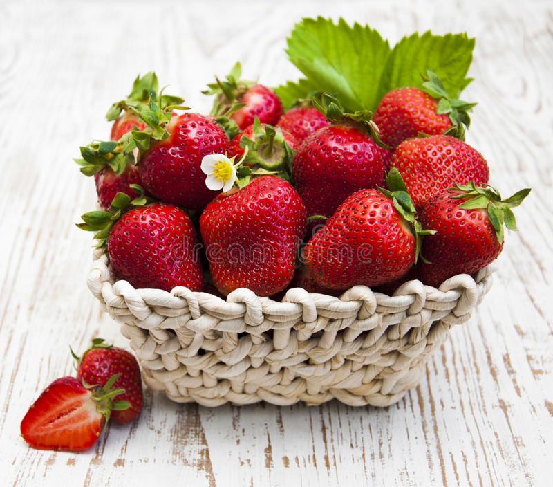 Download Fresas frescas foto de archivo. Imagen de sano, orgánico - 41921288